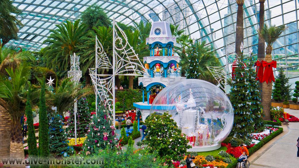 Singapore - Gardens ny the Bat
