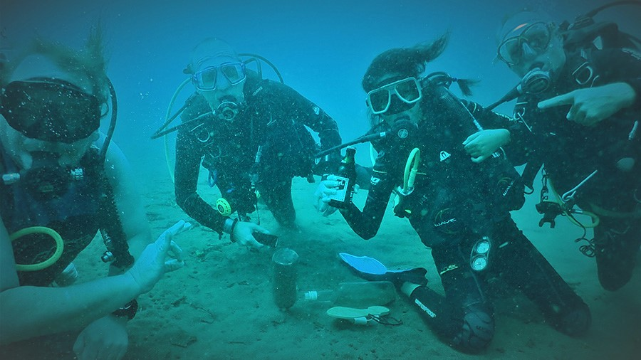 Dive Monsters and Friends - Diving in Dauin