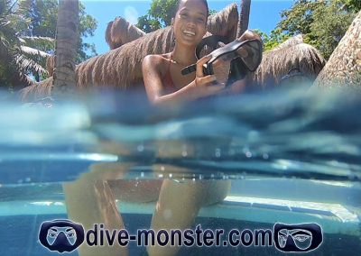 Daisy Dive Monster - Pool Session