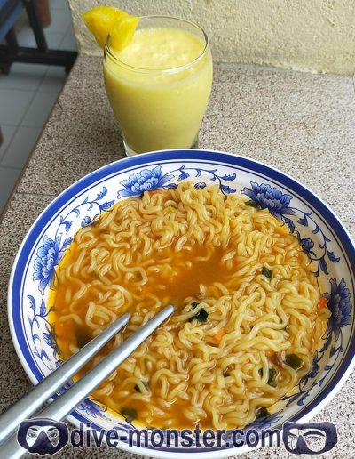 Day 6 Lunch – spicy noodles + pineapple shake